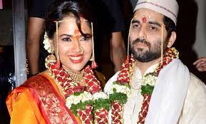 Sameera Reddy Profile Biography Family Photos Wiki Biodata Body Measurements Age Husband Affairs and More
