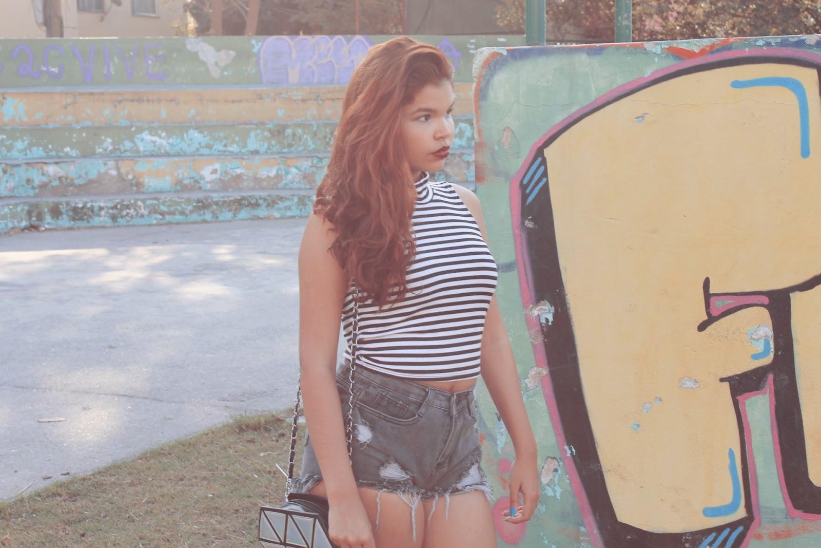 fotos tumblr, tumblr girl, romwe, look básico, cropped listras, look baratinho, look C&A, look Marisa, bolsa holográfica,