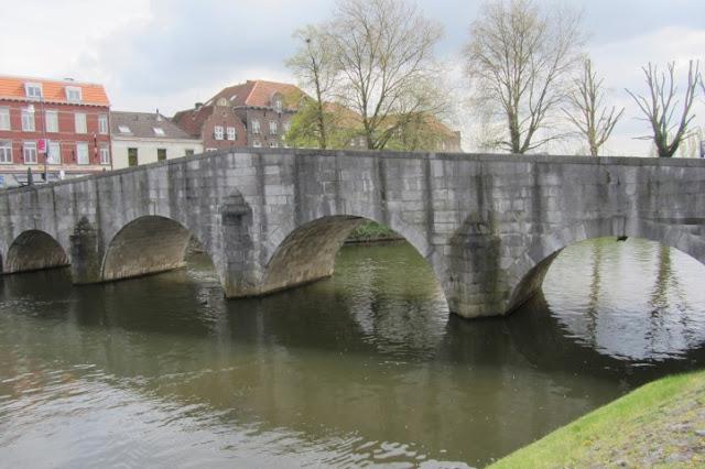 Roermond, brug over de Roet