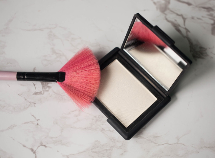 Beauty: Nars Albatross highlighter review
