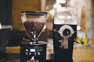 http://zakupowyporadnik.pl/jaki-mlynek-do-kawy/