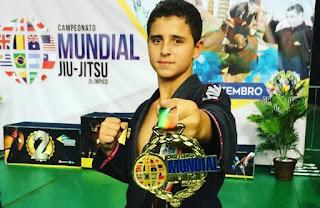 http://vnoticia.com.br/noticia/2947-jovem-promessa-do-jiu-jitsu-de-sfi-leva-o-ouro-em-campeonato-mundial-no-rio-de-janeiro