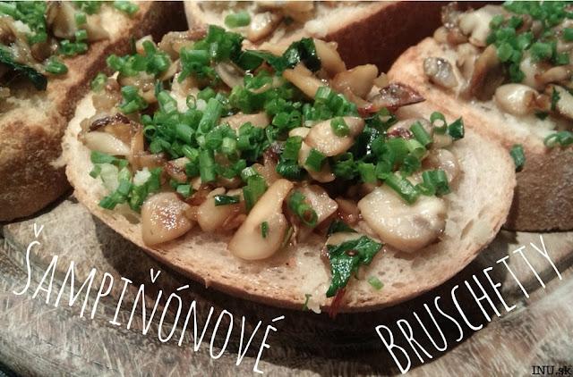 Opečený chlieb s dusenými šampiňónmi a pažítkou (Talianska bruschetta)