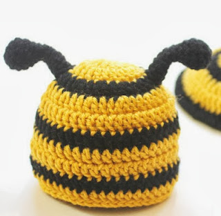 http://translate.googleusercontent.com/translate_c?depth=1&hl=es&rurl=translate.google.es&sl=en&tl=es&u=http://www.repeatcrafterme.com/2013/07/crochet-bumble-bee-hat-and-tushie-cover.html&usg=ALkJrhj91O_nQ070J2xKabEMoTFX2R_VSA