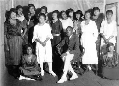 Early 1900s photo of group of African-Americans