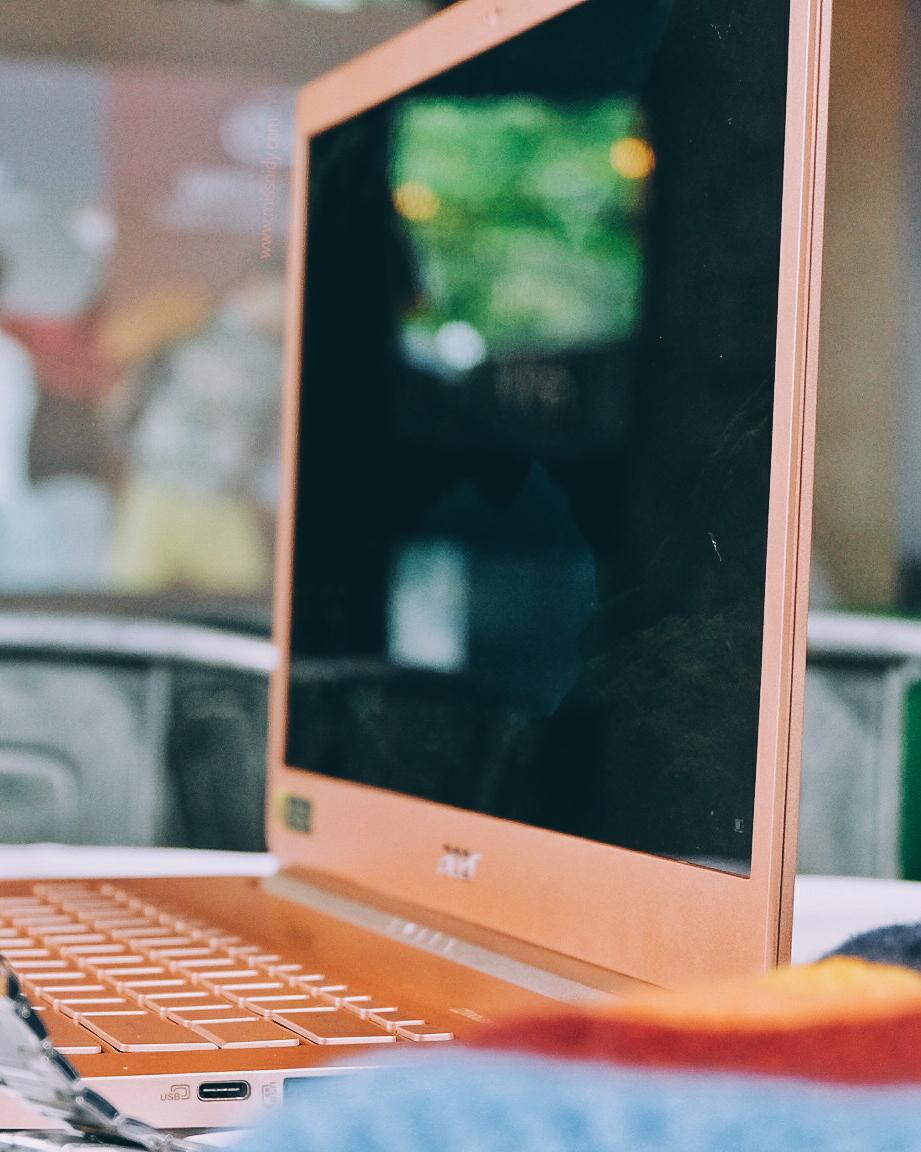 rekomendasi laptop tipis dan bagus