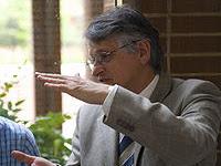 Biografi Klaus von Klitzing - Penemu Efek Kuantum Hall
