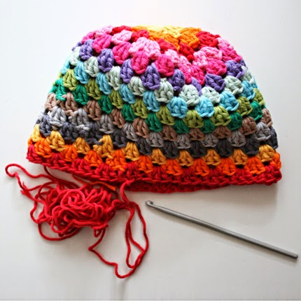 How to crochet a lovely rainbow hat - Free pattern