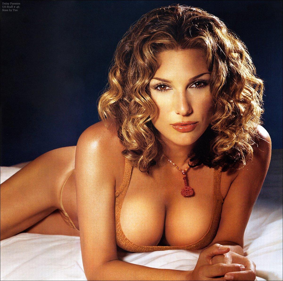 Deisy Fuentes Nude 33