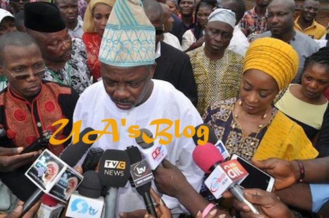 2019: Buhari Warns Amosun Over Anti-Party Activities