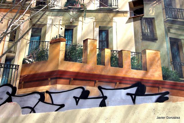 Trampantojos y murales. Plaza de los Carros