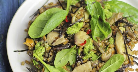 Insalata d' avena, funghi e spinacini