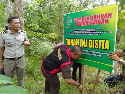 Tanah dan Kebun Seluas 1,8 Hektar Milik Tersangka PNPM, Dieksekusi Kejari