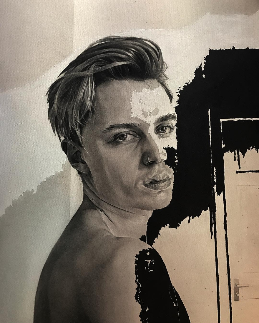 07-Dylan-Andrew-Shadows-and-Textures-Interacting-with-Charcoal-Drawings-www-designstack-co