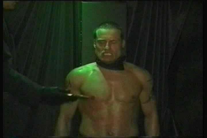 Interrogation Gay 75