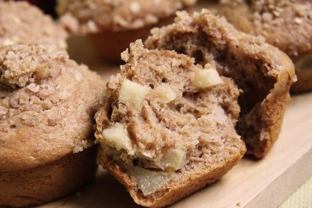 Fettarme und zuckerfreie fruchtige Muffins - EAT