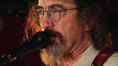 James McMurtry casts a literary eye on life on the road