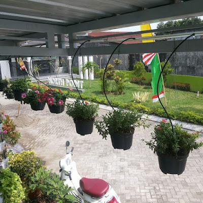 10 Desain Terbaru Taman Gantung Untuk Rumah Minimalis Dengan Konsep Alami 5