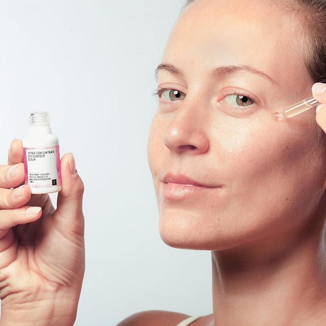 El serum para el contorno de ojos ?Hyper-concentrate Eye Contour Serum? de FRESHLY COSMETICS