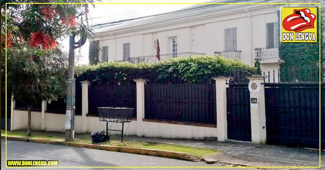 Chavistas abandonaron la embajada de Venezuela en Costa Rica