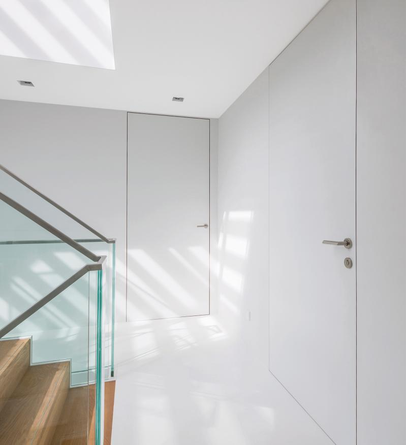 Genial Argent Offers Frameless Solution For Hinged, Sliding And Pivoting Doors.