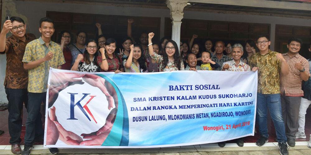 SMA Kristen Kalam Kudus Sukoharjo Berempati Lewat Bakti Sosial
