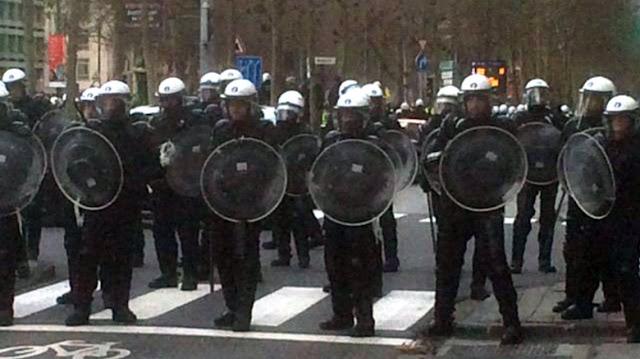 """La protesta de """"chalecos amarillos"""" se expande por Europa: hay focos en Bélgica y Holanda"""