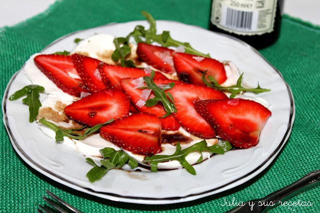 Ensalada de fresas y mozzarella. Julia y sus recetas