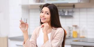 Minum Air Putih Setelah Bangun Tidur Menyehatkan Sistem Pencernaan