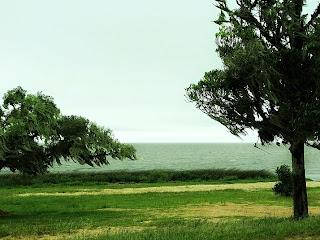 Praia do Pinvest: propícia a esportes náuticos