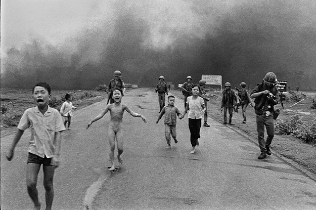 La guerre est un mal absolu  Napalm-Girl-photographer-singapore