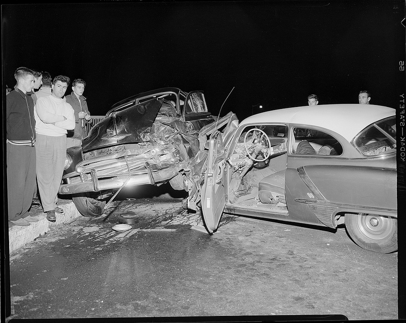 50 Impressive Vintage Photos of Car Accidents From Between the 1930s ...