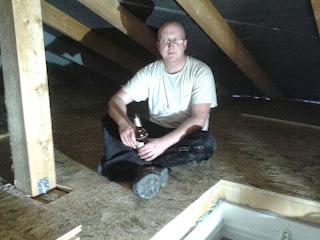 bautagebuch der dachboden wurde mit osb platten ausgelegt. Black Bedroom Furniture Sets. Home Design Ideas