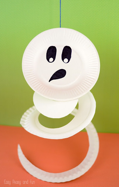 16 DIY Halloween funny ghost craft for kids to make. DIY Halloween paper plate ghost craft for indoor decoration. Easy to make Halloween hanging ghost craft ideas for kids. Simple DIY Halloween funny ghost craft 2018. Halloween paper plate craft ghost ideas for indoor decoration. Preschool paper ghost craft ideas for kids to make. Spooky and funny ghost craft decoration for home. Spooky ghost decoration ideas. Paper craft for indoor decoration. Scary Halloween craft decoration.