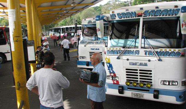 Transportistas del terminal de Los Teques cobrarán pasajes por transferencia