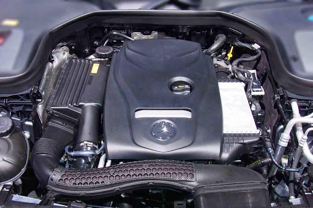 Động cơ Mercedes GLC 300 4MATIC Coupe 2019 vận hành mạnh mẽ và vượt trội