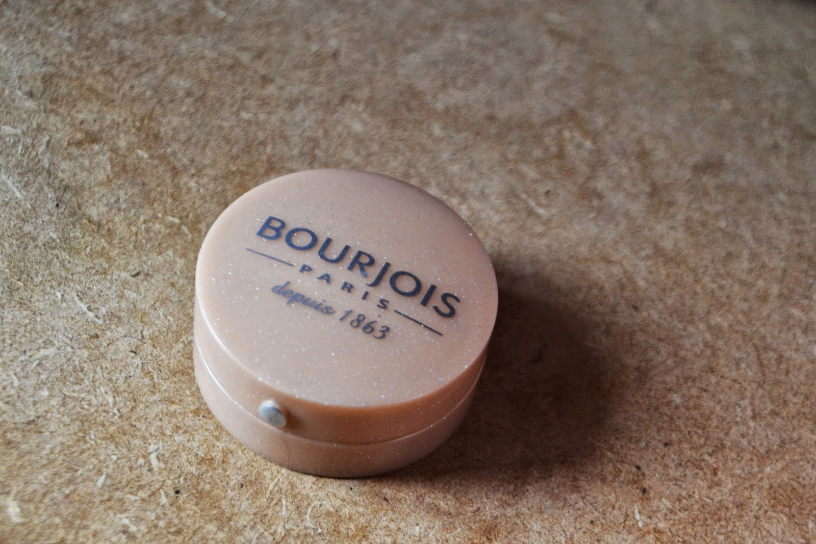 Bourjois gold eyeshadow