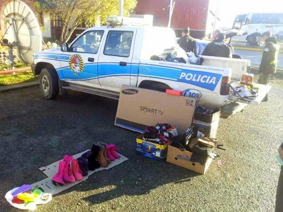 Inspectora y Policia a juicio por contrabando