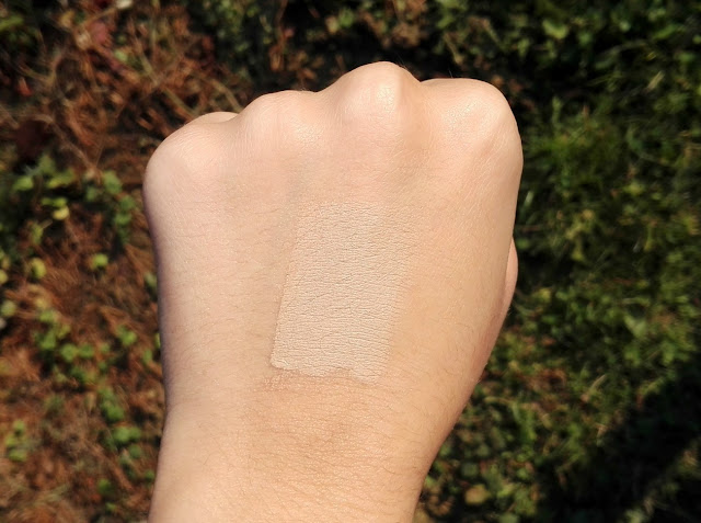 Catrice Liquid Camouflage High Coverage Concealer Swatch