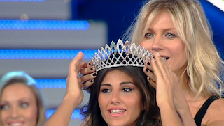 Aylen-Nail-Maranges-won-Miss-Italy-in-the-World-2012