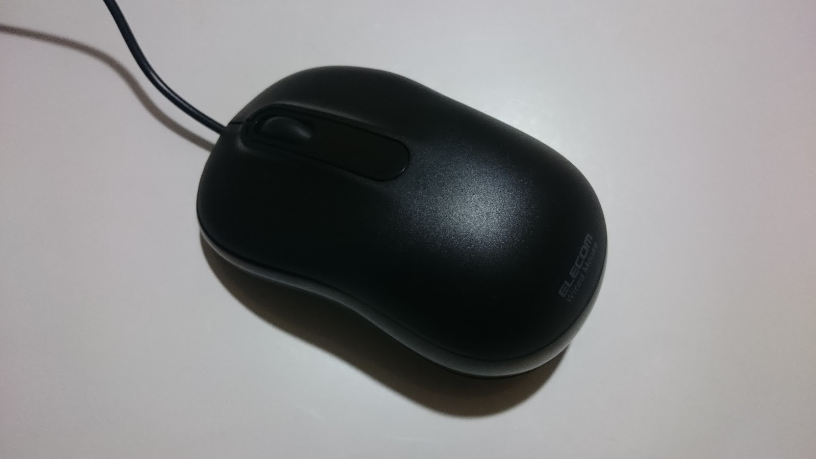 ELECOMのころんとシンプルの黒のUSBマウス