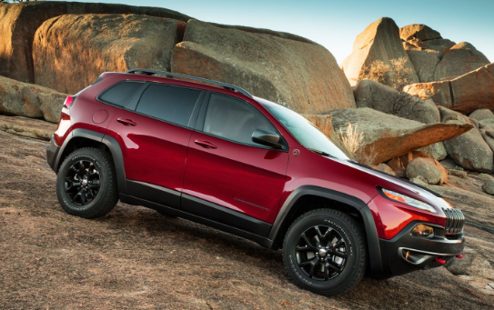 2014 Jeep Cherokee Trailhawk V-6 Review