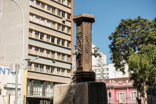 A fonte da Praça Zacarias