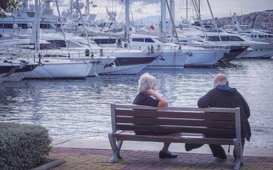 Για να μην γίνουμε χώρα συνταξιούχων