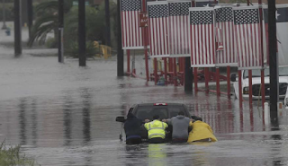 Death toll reportedly reaches 5 as Harvey spawns massive flooding in Houston area