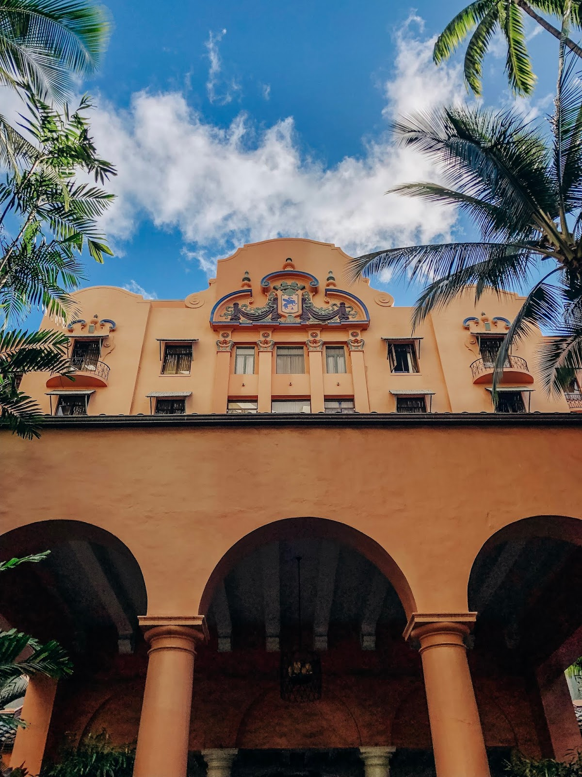hotel review the royal hawaiian resort