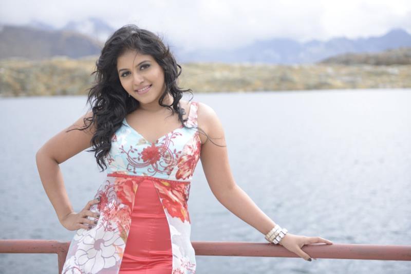 Actor Anjali Photos: SETTAILATEST TELUGU