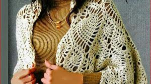 Poncho blanco al crochet