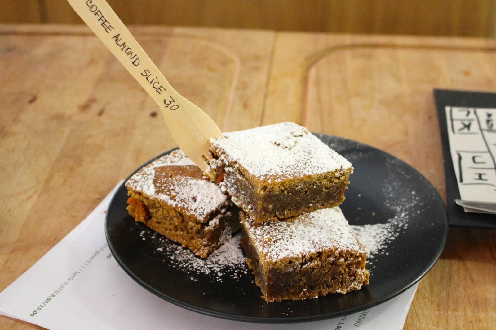 Little Kind Cafe Munich vegan cake