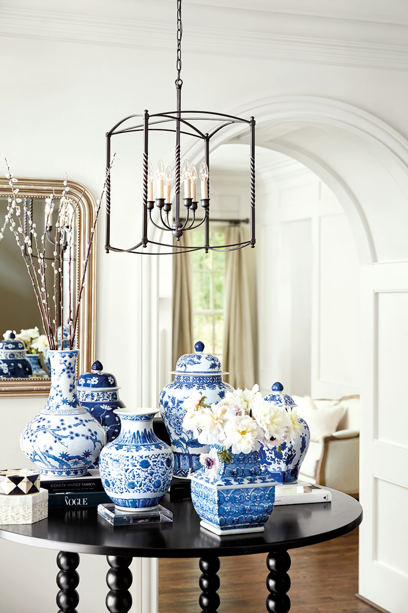 Chinoiserie chic displaying your blue white collection for White centerpieces for dining room table